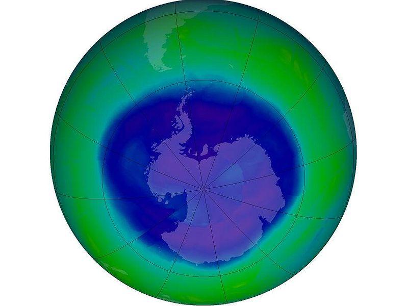 Ziemlich kleines Loch, das Ozonloch